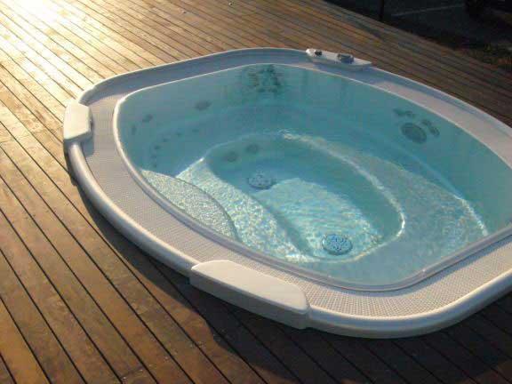 Piscine idromassaggio benessere nella terrazza solarium dell'Hotel Cristallo a Giulianova (Teramo) Abruzzo